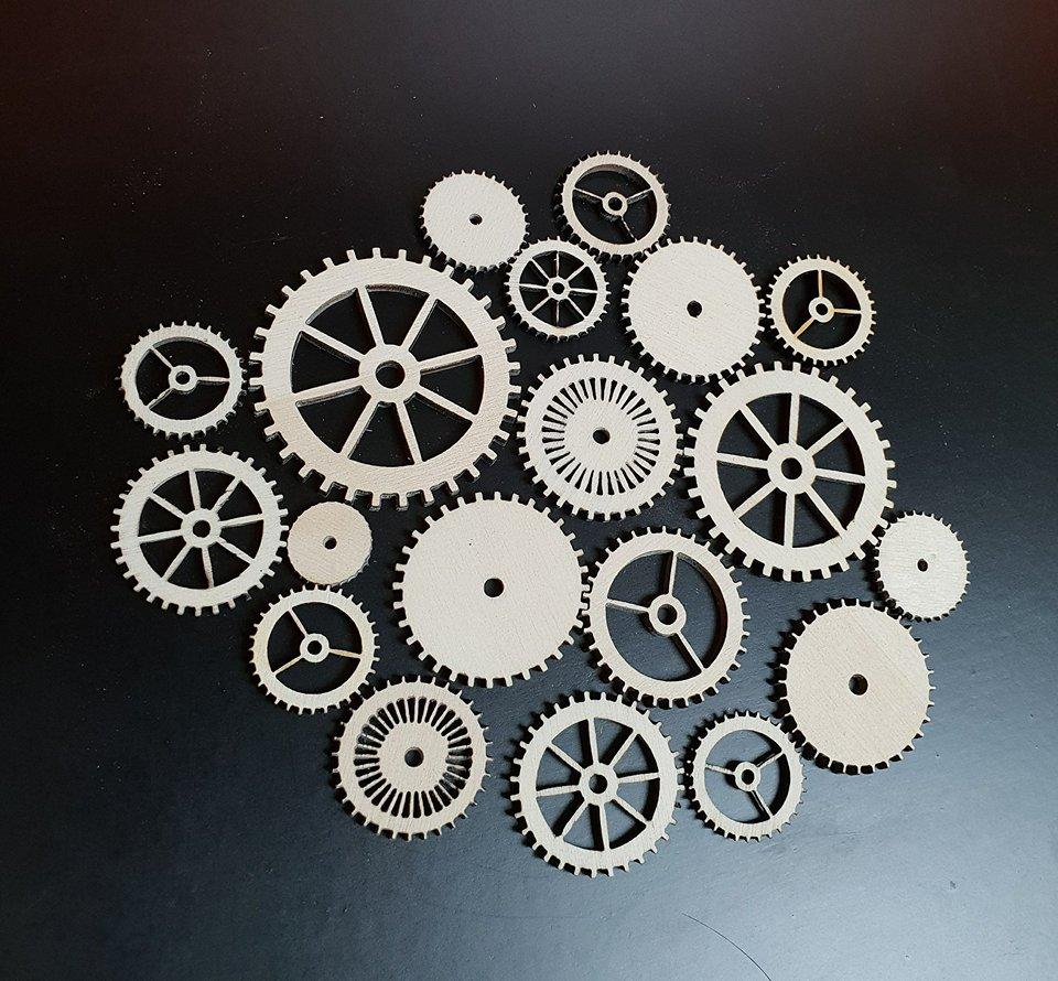 25 x mixed cogs 1 5cm 6 5cm woodform crafts